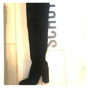 Over the knew suede Schutz boots